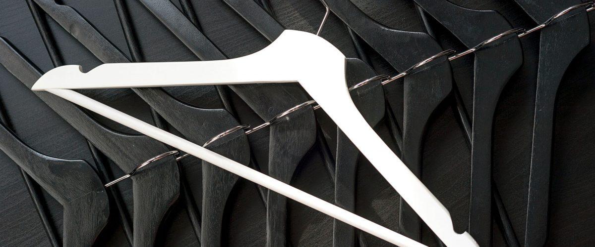 Grucce in legno colore bianco e nero
