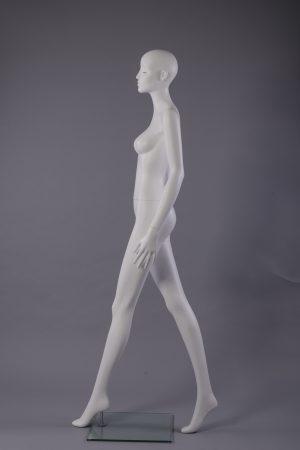 manichino donna stilizzato con ciglia vista laterale