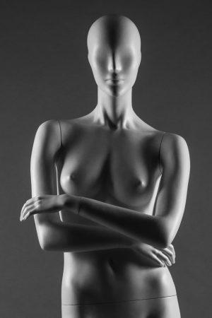 manichino donna stilizzato ritaglio