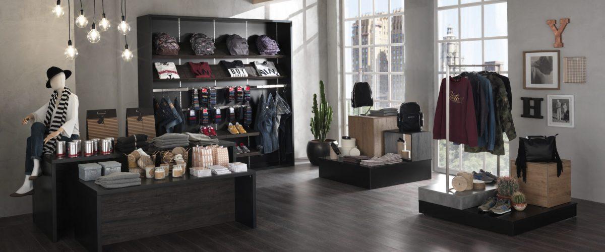 Allestimenti per un negozio di abbigliamento e accessori stile moderno