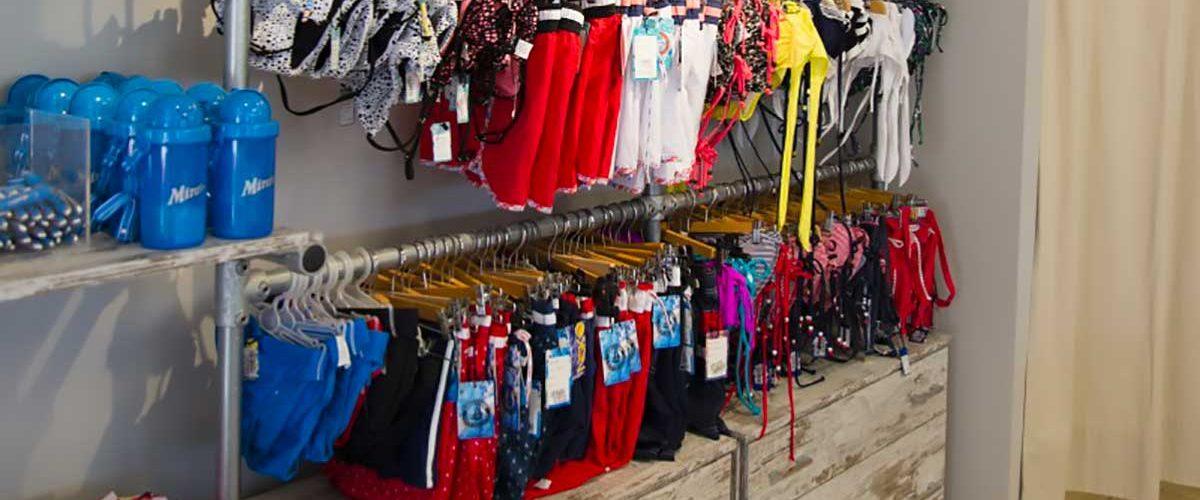 Allestimento negozio costumi e accessori