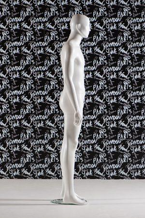 manichino uomo stilizzato saturn
