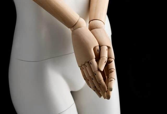 manichino verve astratto con braccia in legno